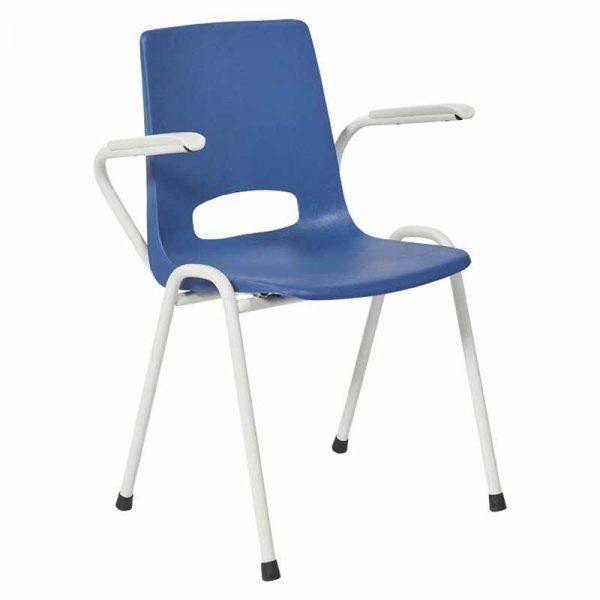 Plastic stoel met armleuningen