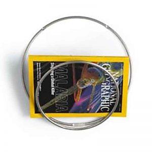 Ronde ringen aan de muur voor tijdschriften