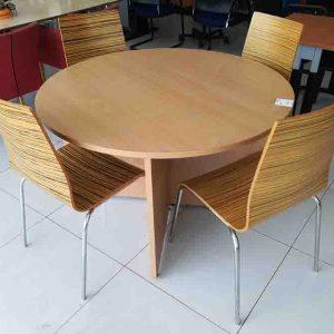 Tweedehandse houten stoelen