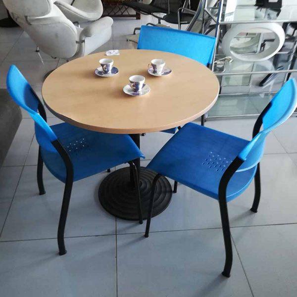Rond tafeltje voor in huis of op kantoor