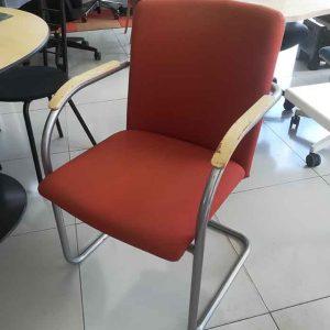 Sledestoel voor vergaderen of als bijzetstoel