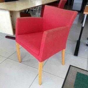 Tweedehandse fauteuils van het merk montis in rood