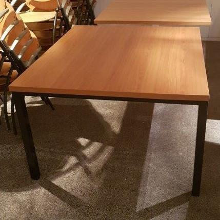 Vierkante vergadertafel voor 8 personen