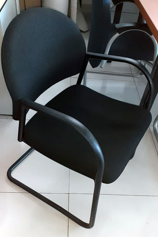 Sledemodel vergaderstoel in zwart