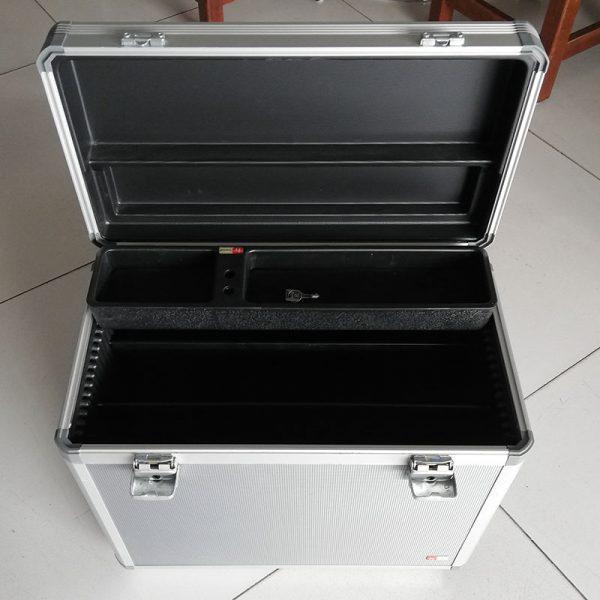 Werkkoffer met mappensysteem en pennenbakje